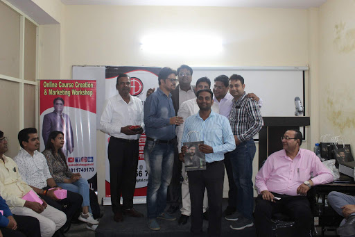 DM Steps Center - Digital Marketing Classes in North Delhi-img