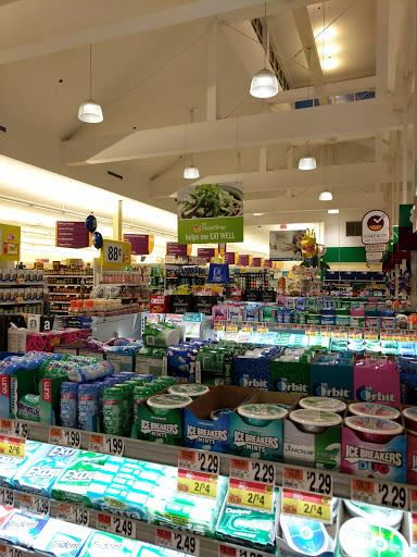 Supermarket «Stop & Shop», reviews and photos, 36 Bedford St, Lexington, MA 02420, USA