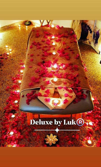 imagen de masajista Masaje Deluxe by Luk