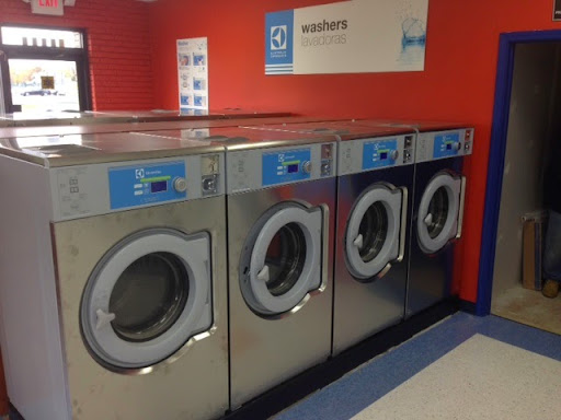 Laundromat «St. Clair Shores Electrolux Express Coin Laundromat», reviews and photos, 27520 Harper Ave, St Clair Shores, MI 48081, USA