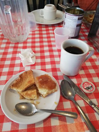Sugar Shack Cabane à Sucre D'Amours in Sainte-Anne-des-Plaines (QC) | CanaGuide