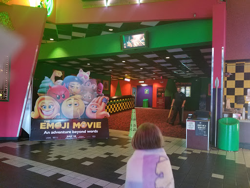 Movie Theater Cinemark Hollywood Usa Movies 15 Reviews And Photos 4040 S Shiloh Rd