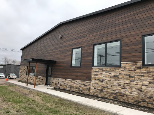 Deck Builder Tri-City Windows & Renovations in Moncton (NB) | LiveWay