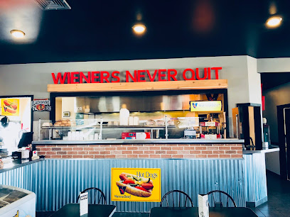 experience-wisdells-where-to-eat-hot-dog-avenue