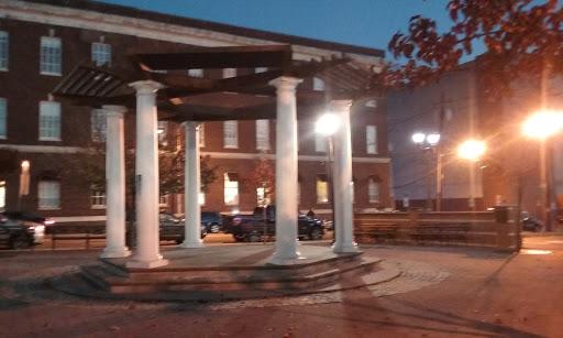 Memorial Park «Veterans Memorial Park», reviews and photos, 15 Cedar St, Nyack, NY 10960, USA
