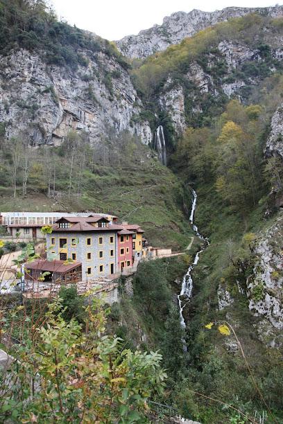 Cascade Aguasaliu