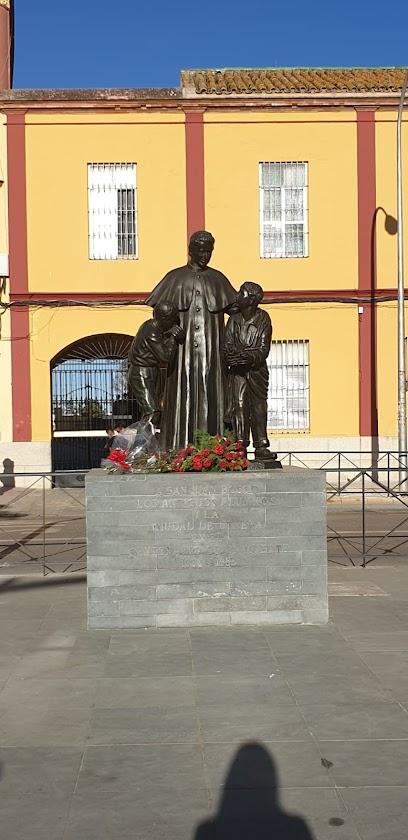 Monumento a San Juan Bosco