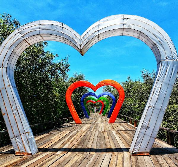 Gembok Cinta BJBR ( Pantai BJBR )