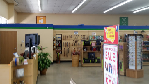 Goodwill Retail Store & Donation Center, 2050 S Jefferson St, Perry, FL 32348, Thrift Store