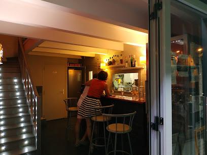 photo du restaurant La pierre ardente