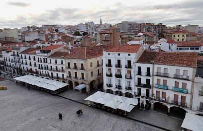 Azotea plaza mayor 1 ¿Dónde Dormir en Cáceres?