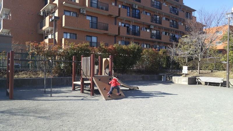 大豆戸堀上第二公園