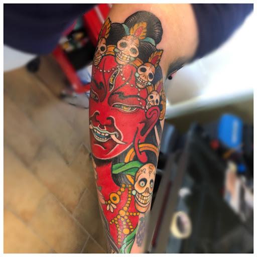 Emersus Tattoo Atelier di Curotti Ylenia