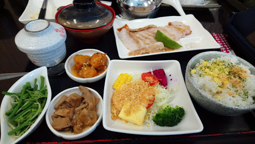 尹賀日本料理