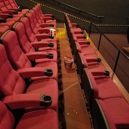 Movie Theater «AMC Showplace Machesney Park 14», reviews and photos, 1860 Anjali Way, Machesney Park, IL 61115, USA