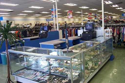 Goodwill Largo Store, 1460 Missouri Ave N, Largo, FL 33770, USA, Thrift Store