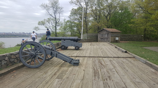 Historical Place «Fort Lee Historic Park», reviews and photos, Hudson Terrace, Fort Lee, NJ 07024, USA