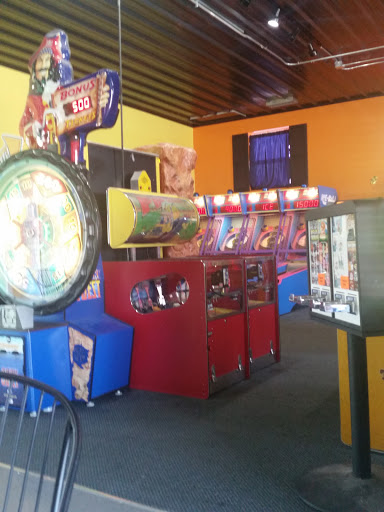 Amusement Center «Crown Point Family Fun Center», reviews and photos, 1301 Merrillville Rd, Crown Point, IN 46307, USA