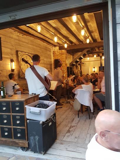 photo du restaurant Le commerce