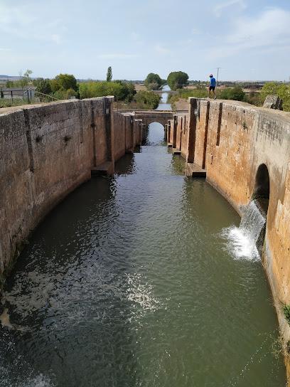 Esclusa cuádruple Frómista Canal de Castilla
