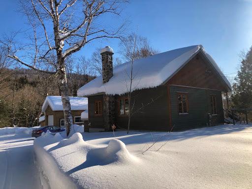 Chalet Elsa - Chalet en nature à Val-des-Lacs (QC) | CanaGuide