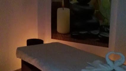 imagen de masajista Masajes terapéuticos ALICANTE