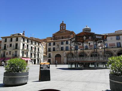 Plaza de los Fueros / Foruen Plaza