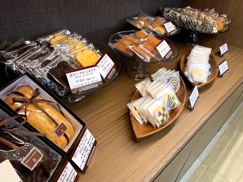 製作所 向山 向山製作所桑野ファクトリーのチーズケーキが美味しい!ふんわり感がスゴイです。