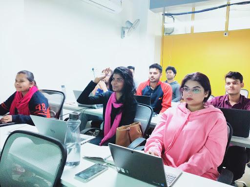 Digiperform- Advanced Digital Marketing Course in Noida-img