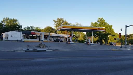 Supermarket «Riverside Supermarket», reviews and photos, 491 S Main St, Boerne, TX 78006, USA