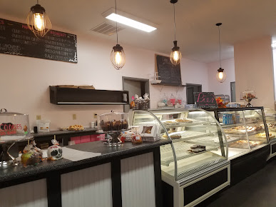 8 Sisters Bakery & Cafe