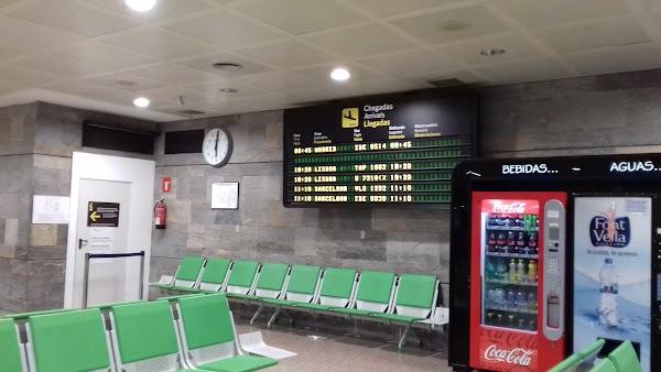 Avis Alquiler de Coches Aeropuerto de la Coruña