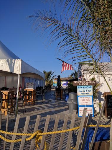 Bar & Grill «The Club at Diamond Beach», reviews and photos, 600 E Raleigh Ave, Wildwood Crest, NJ 08260, USA
