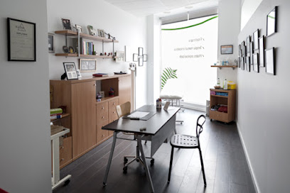 imagen de masajista Clinica Quirós