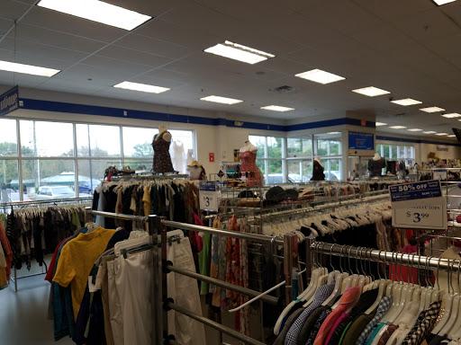 Goodwill, Briar Hill Plaza, 201 Salem Turnpike, Norwich, CT 06360, Store