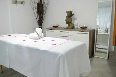 imagen de masajista Tenerfisio - Fisioterapia, Masajes y Pilates