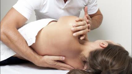 imagen de masajista MASAJES CÁCERES (quiromasaje, terapias naturales)