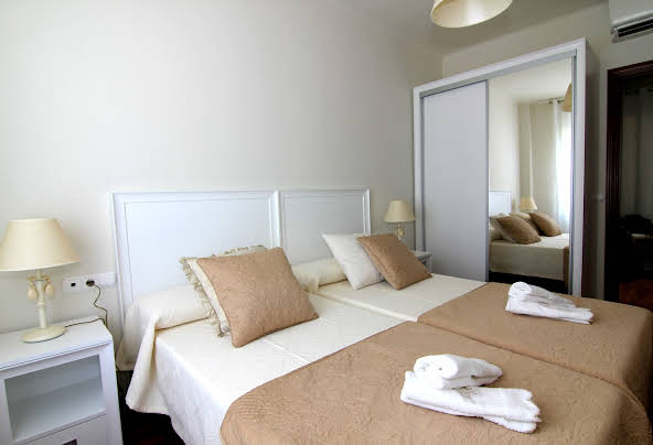 ClassBedroom Fira Business Apartments