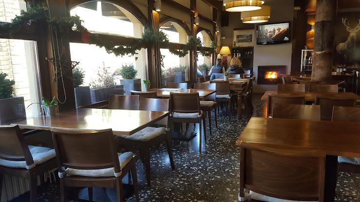 Restaurante Las Cumbres Avinguda de Victoriano Muñoz, 29, 25520 El Pont de Suert, Lleida