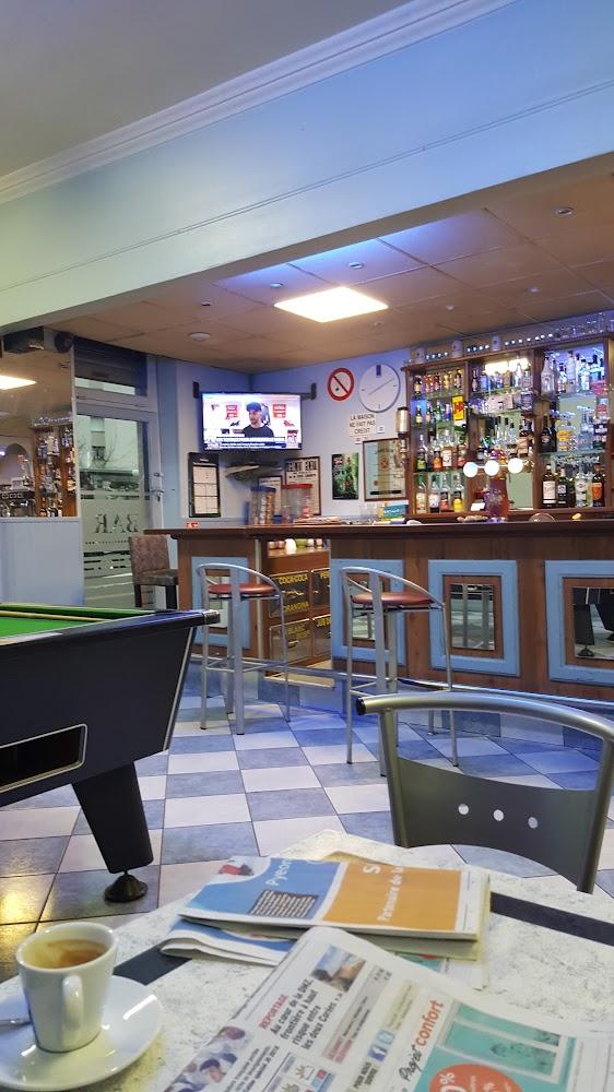 photo du resaurant Café Des 4 Chemins
