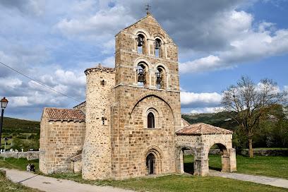Collegiate San Salvador De Cantamuda