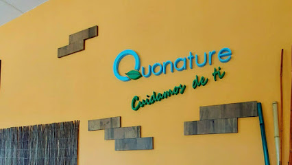 imagen de masajista Quonature: Quiromasaje - Osteopatía - Acupuntura