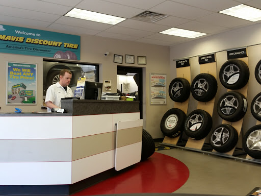 Tire Shop «Mavis Discount Tire», reviews and photos, 63 NJ-31, Pennington, NJ 08534, USA