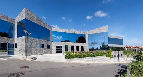 Instituto Oftalmológico Fernández-Vega