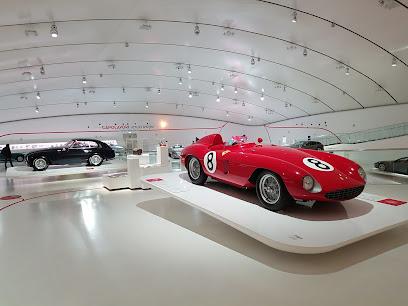 Enzo Ferrari Museo