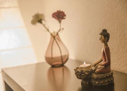 imagen de masajista Osteopatía y Masaje Darana, Centro Integral de Bienestar