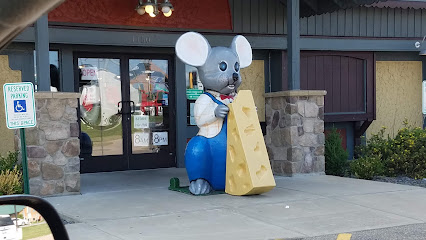 experience-wisdells-things-to-do-market-square-cheese