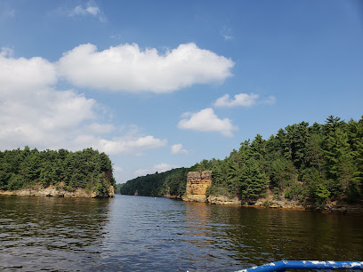 experience-wisdells-places-to-stay-dells-ghost-boat-tours