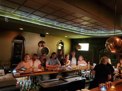 experience-wisdells-where-to-eat-cimarolis-super-club