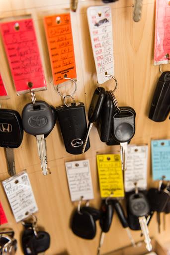 Used Car Dealer «Atlantis Auto City», reviews and photos, 128 Waverly St, Framingham, MA 01702, USA